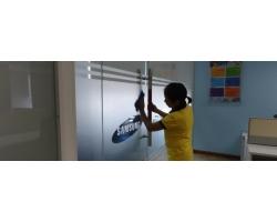Nhân viên tạp vụ làm việc tại văn phòng Samsung Vina Hải Phòng