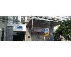 Tổng vệ sinh mặt tiền ngân hàng Quân đội MB Hải Phòng