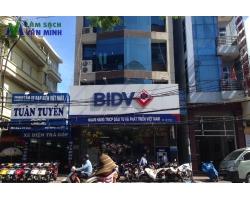 Vệ sinh văn phòng ngân hàng BIDV Chi nhánh Lạch Tray