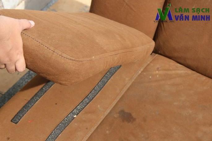 Cách giặt ghế sofa nỉ