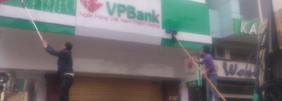 Lau biển hiệu ngân hàng VPBank chi nhánh Hải Phòng