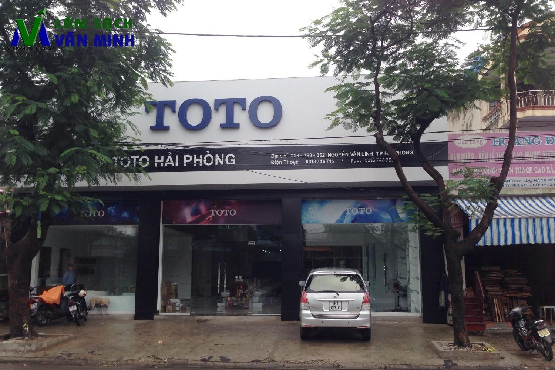 Vệ sinh hàng ngày Showroom Toto Hải Phòng