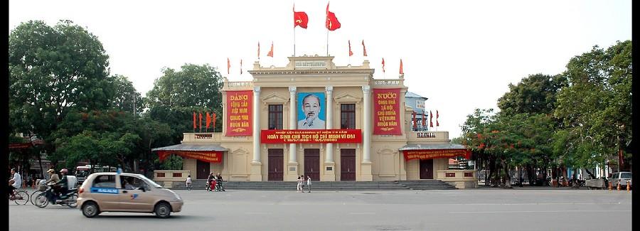 Vệ sinh vỉa hè khu vực trung tâm thành phố Hải Phòng