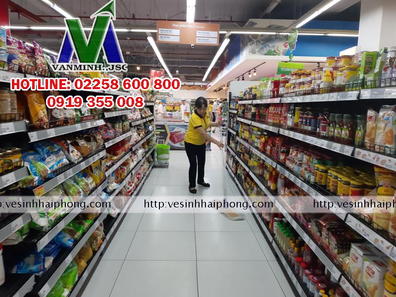 Vệ sinh siêu thị vinmart